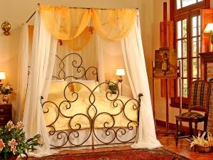 фото кованого ліжка